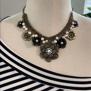 C G vintage flower necklace